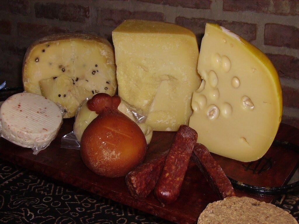 El Pategrás, uno de los quesos que no puede faltar en una picada argentina