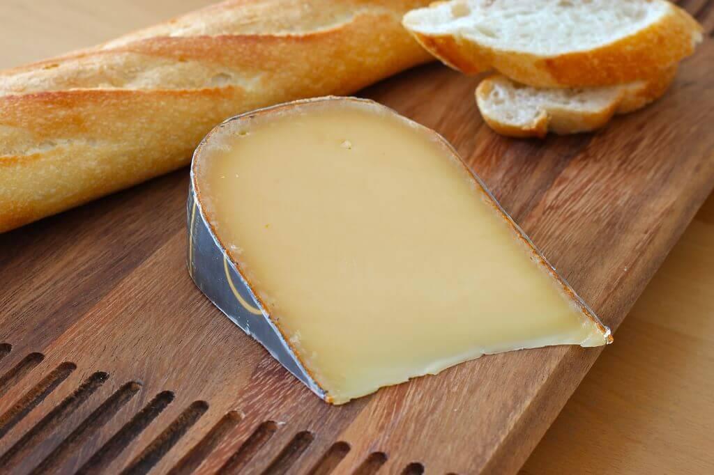 El queso gouda se utiliza en sandwiches en todo el norte de Europa